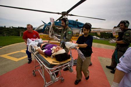 Pouso no Hospital Angelina Caron em Campina Grande do Sul