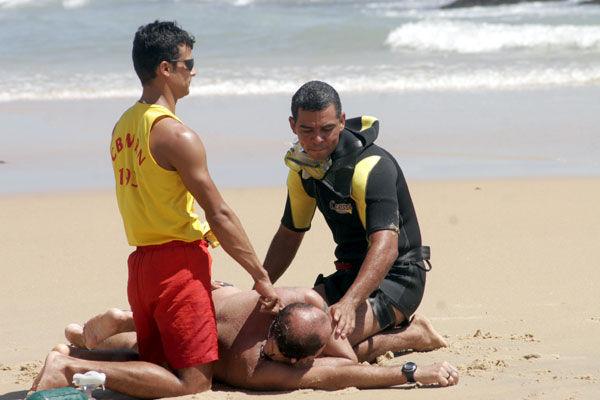 Durante simulação houve um afogamento na Praia do Meio, em Natal/RN. Foto :Emanuel Amaral