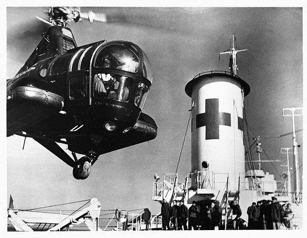 Guerra da Coréia ( 1948 - 1953 ) - Início do transporte Aeromédico através de asa rotativa