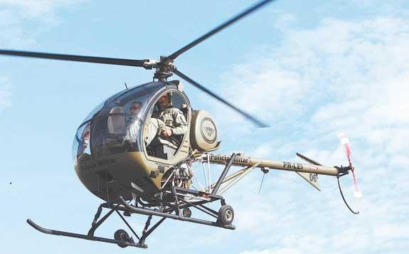 Helicóptero compacto, considerado um dos melhores do mundo, será usado no treinamento de pilotos da PM | Foto: Severino Silva / Agência O Dia