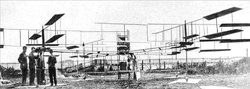 Louis Breget, modelo de 1907 com assento central e quatro hélices rotativas.