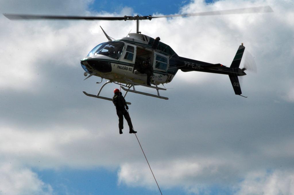 Graer simula resgate com uso de rapel 9