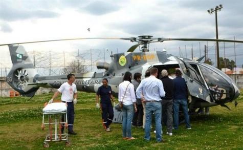 A aeronave pousou em um campo de futebol. Foto: Harald Essert / Diário.