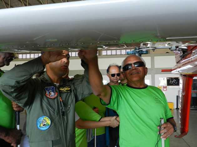 Deficientes visuais conhecem de perto o Helicóptero Águia - Notícia - Presidente Prudente 6