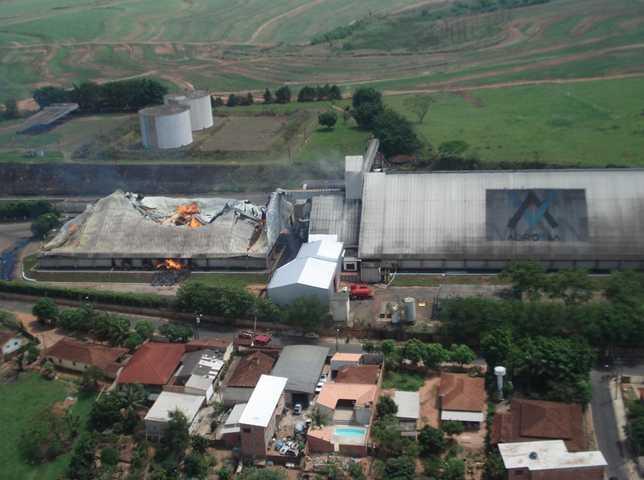 Base de Radiopatrulha Aérea de São José do Rio Preto apoia Corpo de Bombeiros em Santa Adélia-SP
