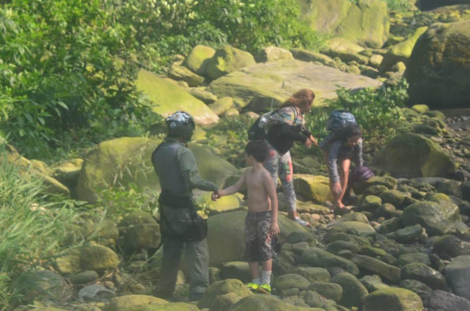 Bombeiros resgatam grupo que estava perdido na Serra do Mar em Cubatão