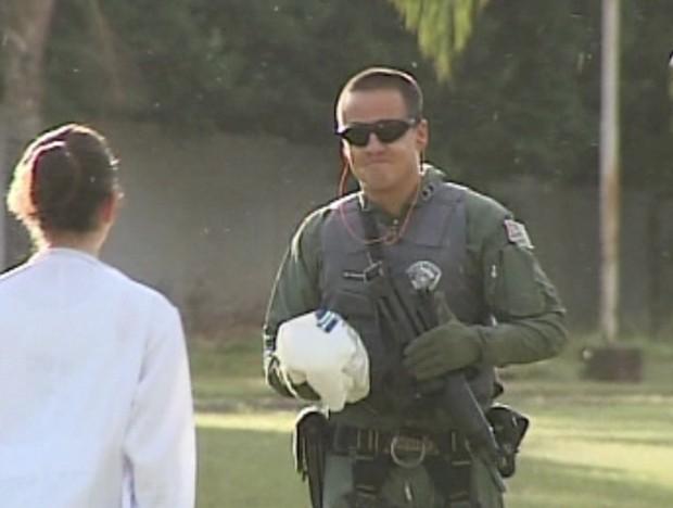 Helicóptero Águia é usado para transportar antídoto para salvar criança