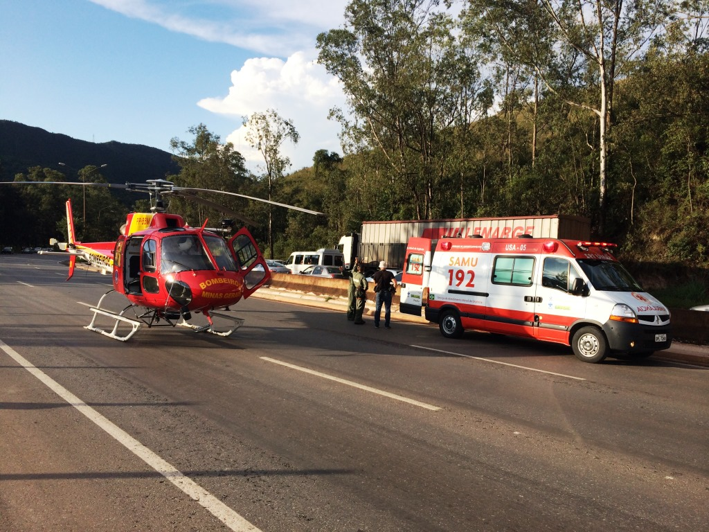 BOA/CBMMG: Arcanjo transporta vítima de grave acidente na BR 040