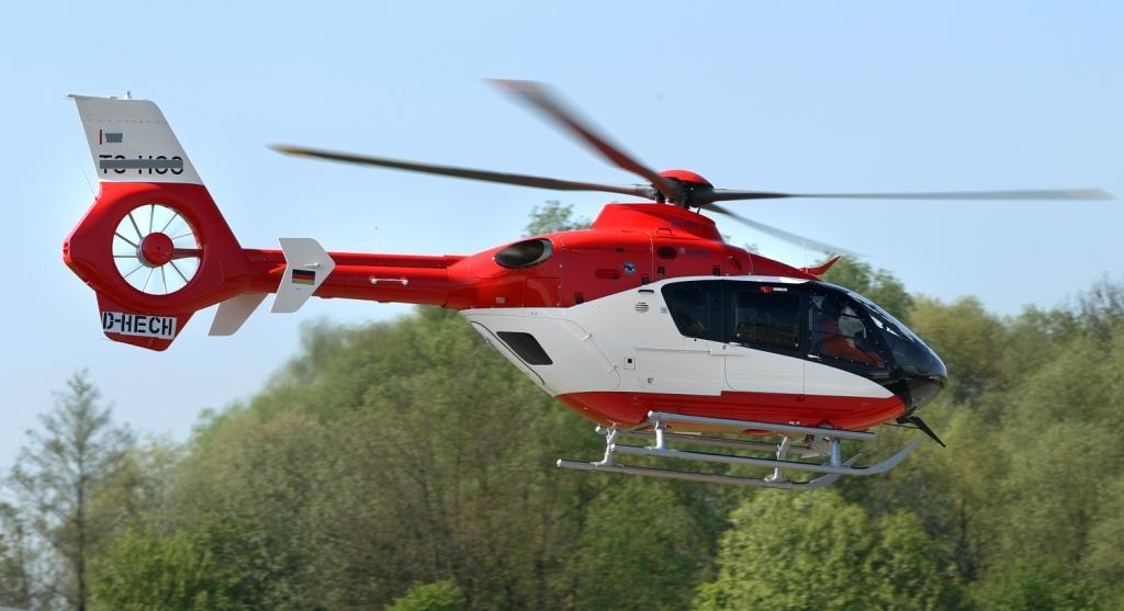 EC135_Ref.78712_AirbusHeliocopters-Charles-Abarr-2014