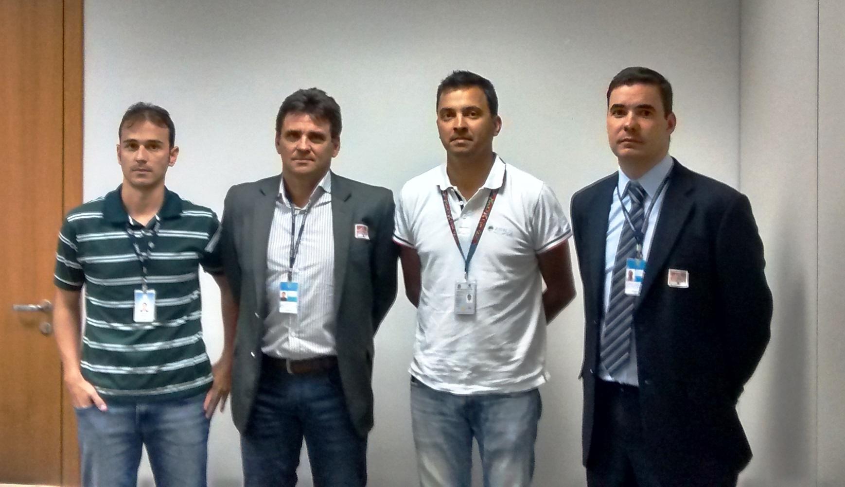 Da esquerda para direita: Rafael Boaventura de Barros (ANAC), Cel PMGO Mauro Douglas Ribeiro (SENASP), Marcelo Guerrante Guimaraes (ANAC) e Cap PMESP Alex Mena Barreto (SENASP).