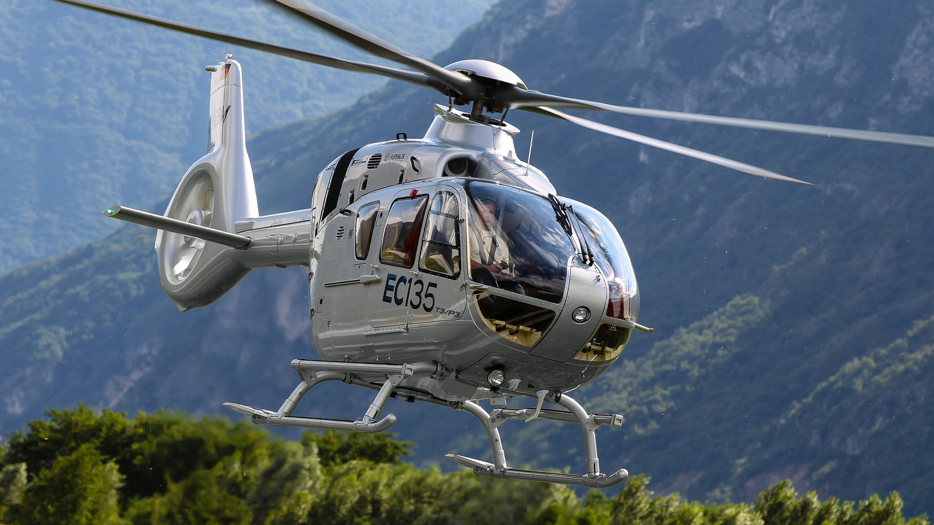 EC135 T3-P3_Airbus Helicopters-Charles Abarr