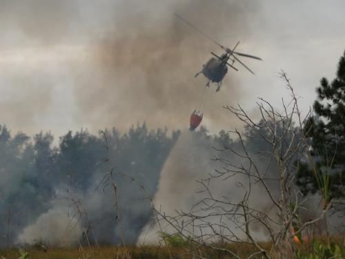 08-12-2014-17-26-15-incendio-florestal.-by-2-cia-de-aviacao-divulgacao