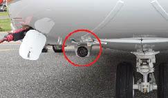 A câmera de infravermelho Astronics Max-Viz 1500 fica montada em uma carcaça fixa sob o queixo do helicóptero.