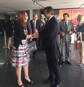 Paula Faria, Diretora Executiva e idealizadora do IBAS recebe o Ministro dos Transportes, Portos e Aviação Civil, Maurício Quintella Lessa.