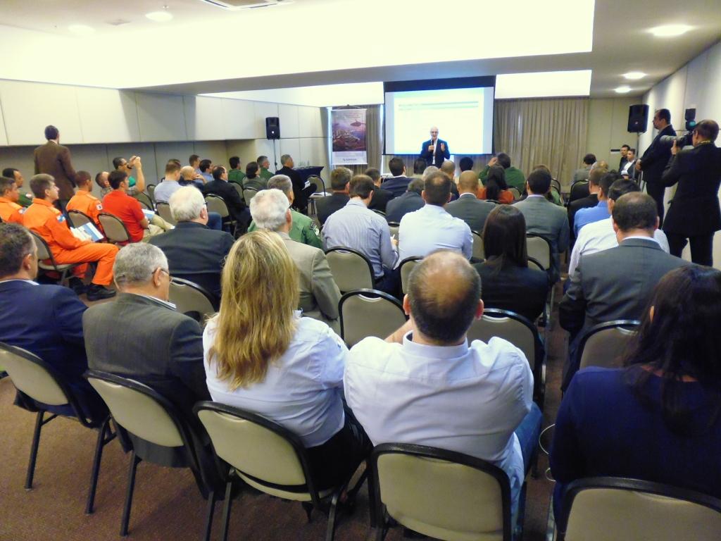 Abertura do evento com François Haas, Presidente da Safran no Brasil. Foto: Eduardo Alexandre Beni.