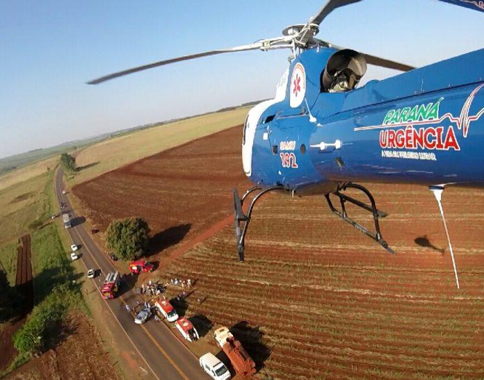 """helicóptero """"Saúde 03"""" do SAMU resgata vítima de acidente de trânsito na PR-492. Foto: Dr. Mauricio Lemos."""