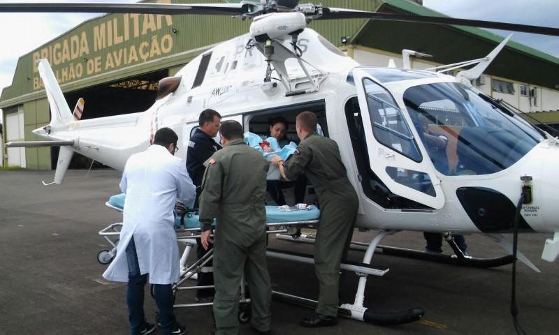 Devido às condições do hospital de receber a menina, ela foi transportada para a Santa Casa de Uruguaiana - Foto: BavBM
