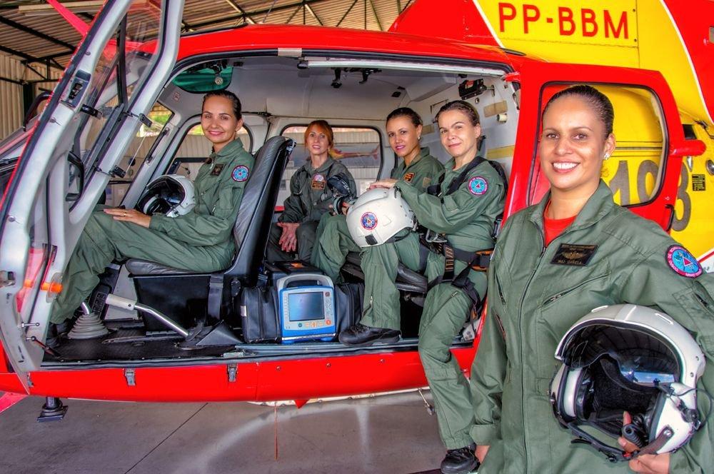 Pilotos e tripulantes do BOA CBMMG: presença da mulher pilotando e comandando.