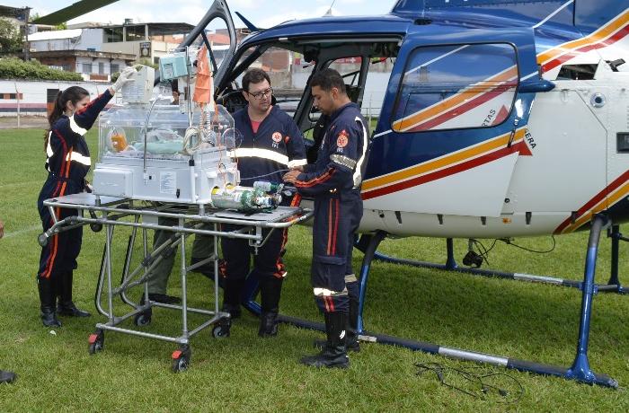 Helicóptero da PM com apoio do SAMU transfere recém-nascido de Leopoldina para Juiz de Fora.