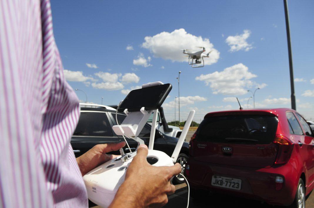 Para o autor da proposta, senador Wilder Morais, drones podem ser usados nas ações policiais e no monitoramento ambiental, de trânsito e de fronteiras. Renato Araújo/Agência Brasília.