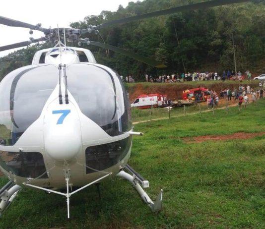 Tripulação do Harpia 07 realiza transporte de duas crianças vítimas de acidente automobilístico. Foto: NOTAer