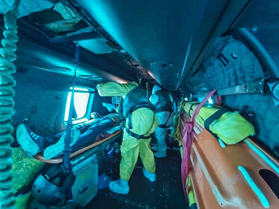 Esquadrão Falcão da FAB resgata enfermeiro da Marinha Mercante que estava em navio japonês na costa brasileira. Foto: Sargento Marcella