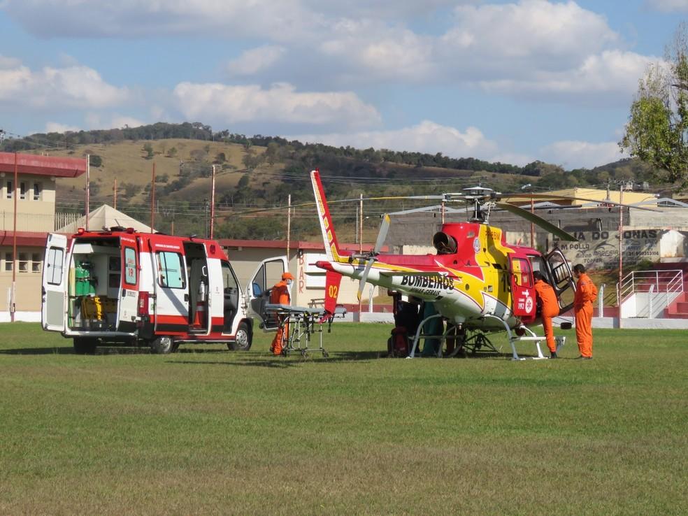 Criança ferida por bomba é resgatada pelo SAMU e levada de helicóptero para hospital em Belo Horizonte, MG
