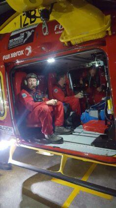 Dia do resgate da tripulação do iate naufragado na Nova Zelândia. Foto: Auckland Rescue Helicopter Trust.